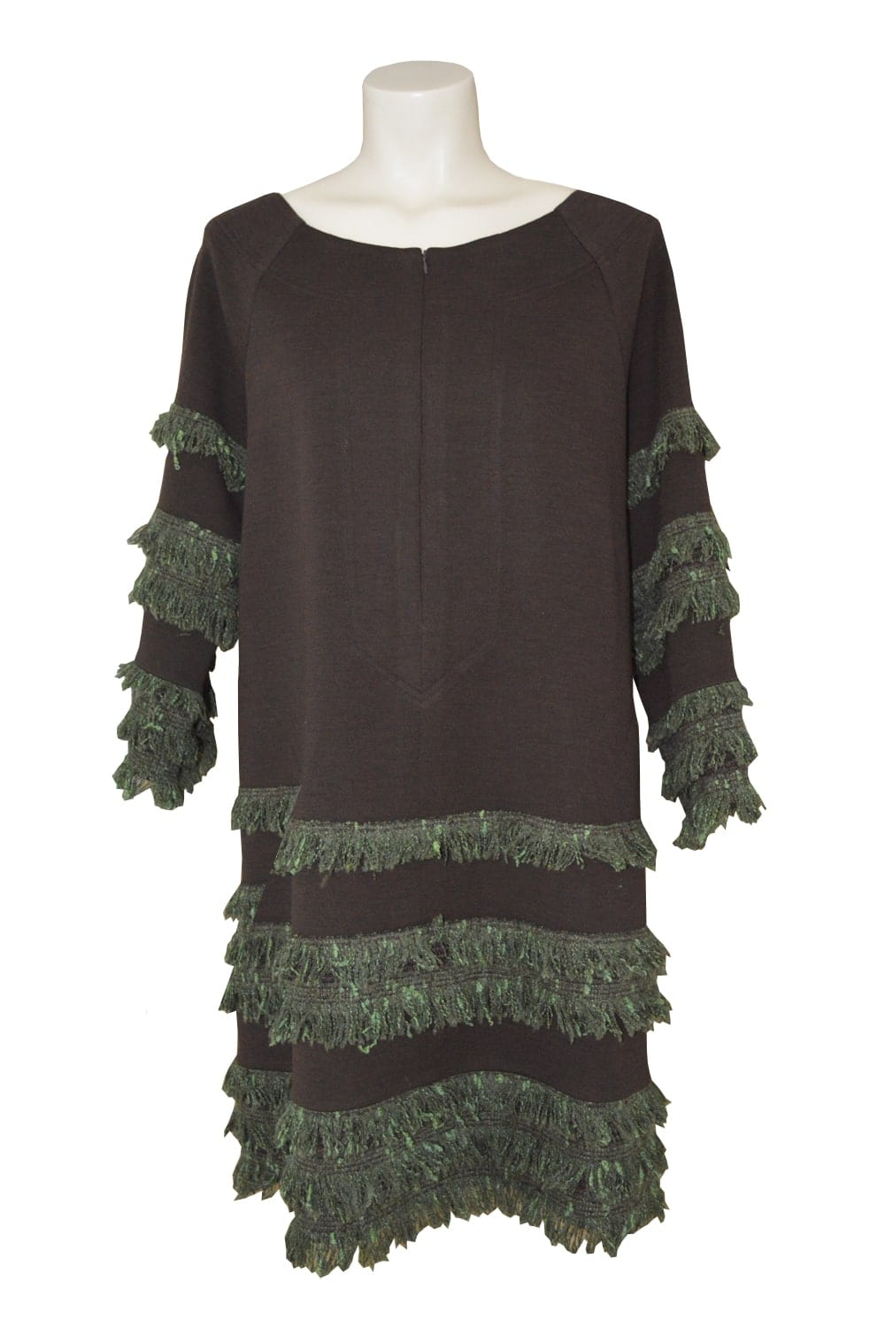 Flared dress in zipped wool jersey on the front. Round neckline decorated with strips of green tweed fringed. Side seam pockets.