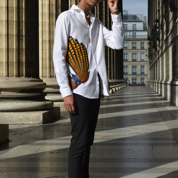 White shirt for men rhinestone with inlay of super wax Vlisco. Elegant and trendy, this pure cotton Oxford shirt (woven crisscross) will be the casual chic piece of your closet.