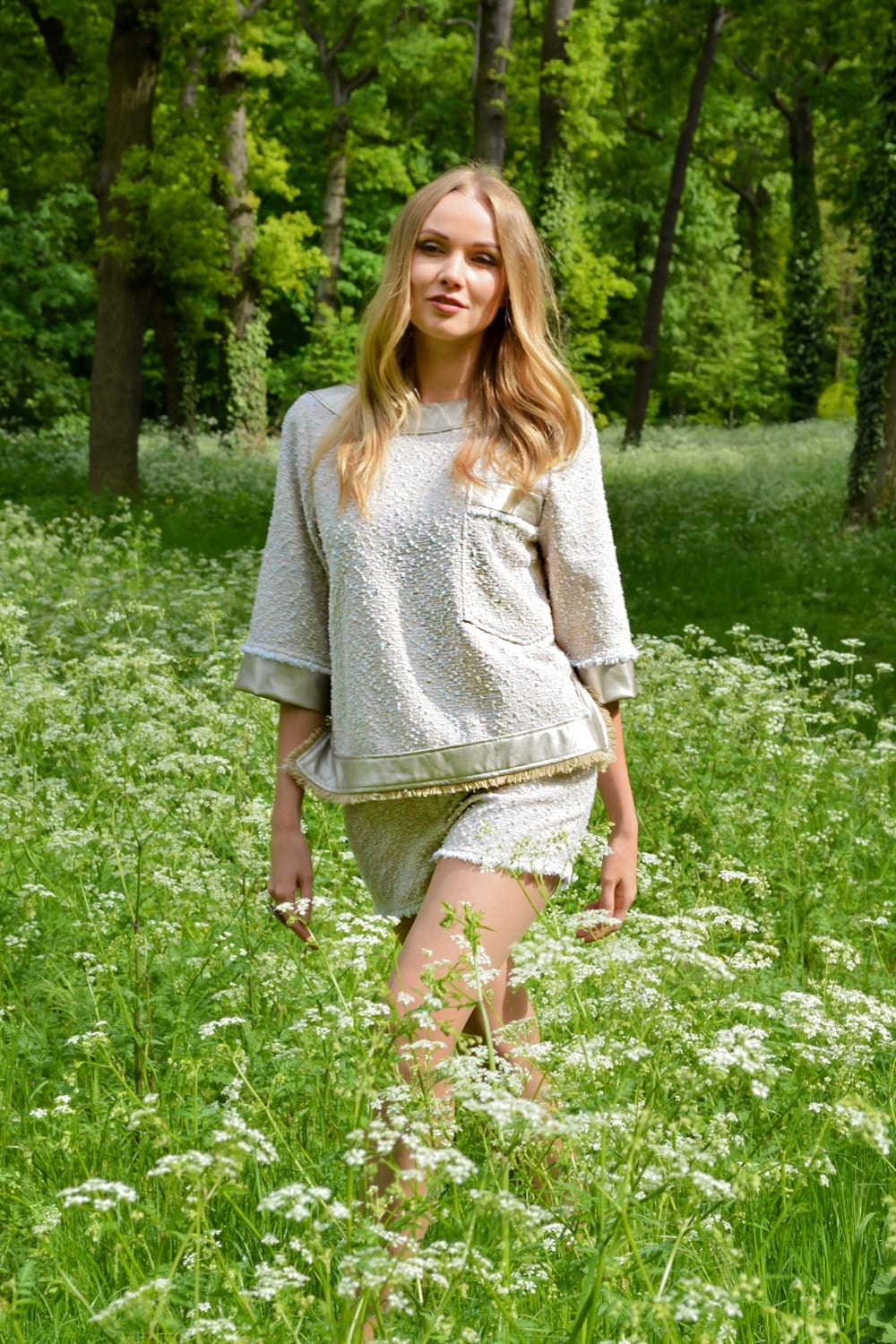 Chic fashion set with shorts and tweed top by the French fashion designer Erik Schaix. Discover our summer collection handmade in Paris.