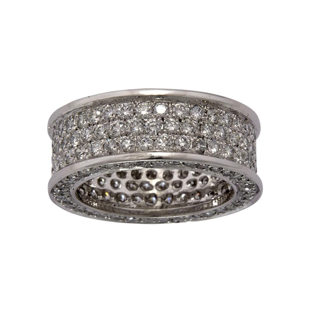Alliance plate pavée de diamants sur or gris
