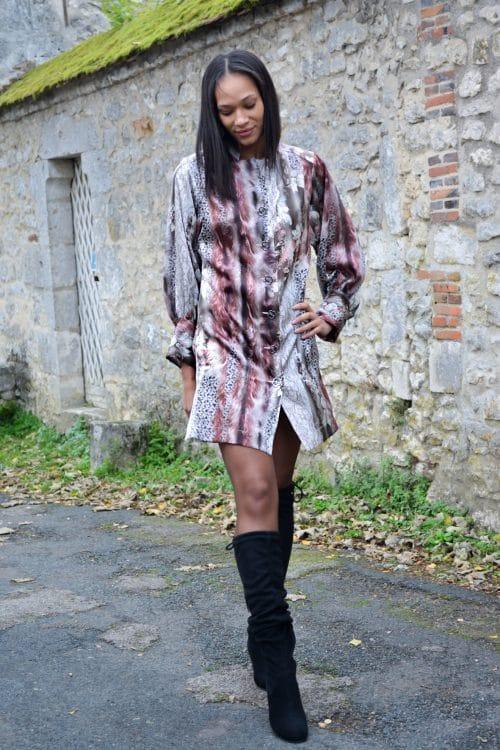 Robe en soie imprimée. Découvrez notre collection de prêt-à-porter pour femme, des pièces tendances et élégantes réalisées dans notre atelier parisien.