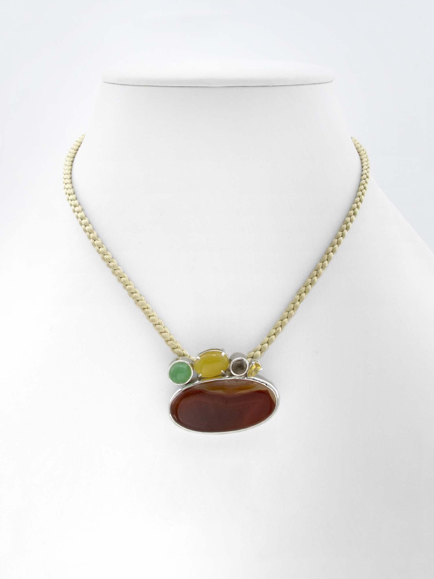 Agate . Chrysoprase . Opale . Quartz
